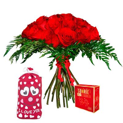 Rosas rojas, saco y bombones